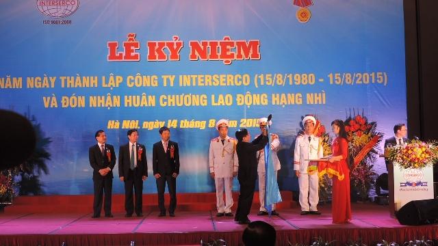 Công ty Interserco kỷ niệm 35 năm ngày thành lập và đón nhận Huân chương Lao động hạng Nhì